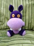 amigurumi hippopotame violet au crochet