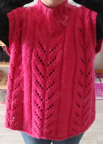 pull poncho rose tricot