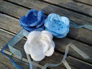 crochet rose et ruban organza