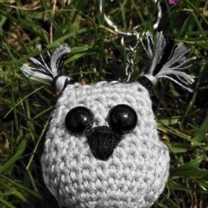 crochet porte-clefs hibou gris